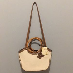 Relic handbag w/ wood handles